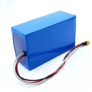 Batteria ricaricabile al litio 36V 10Ah Li-on 18650 per skateboard elettrico