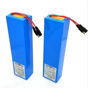 Batteria al litio per scooter elettrico di fabbrica in Cina 36V 60V 10AH 40AH