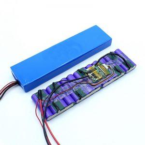 Pacco batteria 18650 36 Volt personalizzato agli ioni di litio 36V prezzo di fabbrica