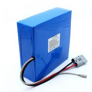 Batteria al litio da 60 Volt 30Ah 50Ah Li-Ion per scooter elettrico